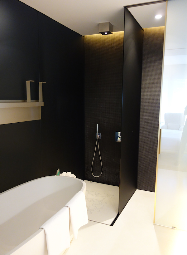 MO Bathroom 2